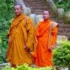 3 Luang Prabang monaci sul Wat Chom