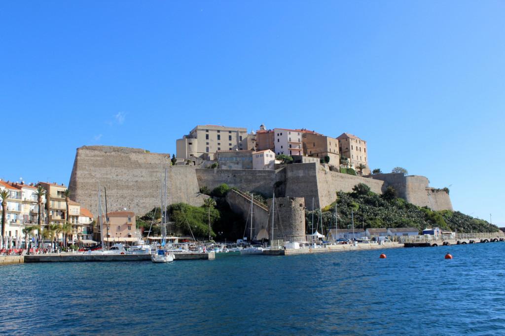 Calvi, la probabile citt_ natale di Cristoforo Colombo, i bastioni della cittadella.
