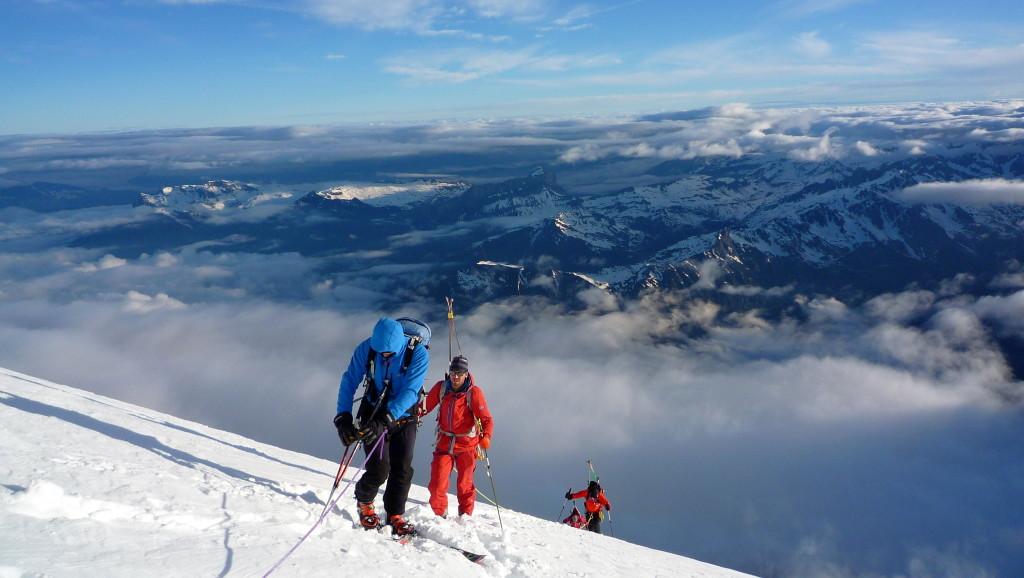 4. Sulla voie Royale verso il pianoro del Grand Plateau, a 4.000 m., Joseph in salita